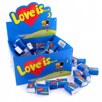 Блок жвачек Love is... со вкусом банан-клубника, 100 шт.